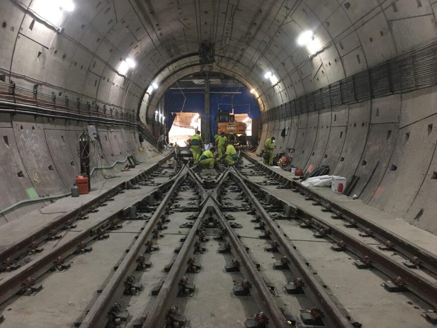 montaje de vías puerta de arganda metro de madrid